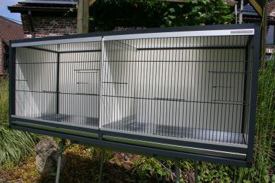 kooi in antraciet alu B 125,5X H 51X D 40 cm met acp wanden;tussenschot,alu lades en zwarte fronten
