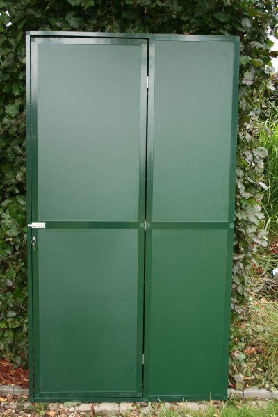 deurpaneel102x200cm  in groen alu met groene trespa 3 mm  en cilinderslot