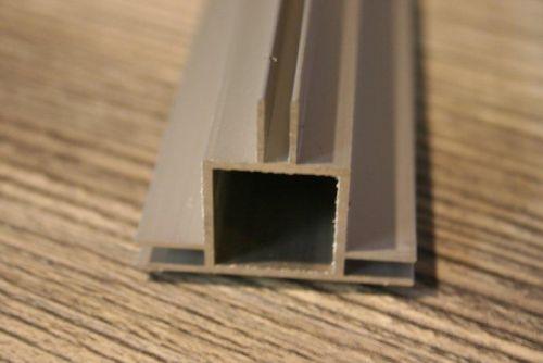profiel 20 x 20 x 1,5mm met 3 flens 3mm