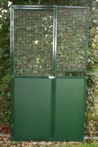 deurkader met groene trespa onderaan